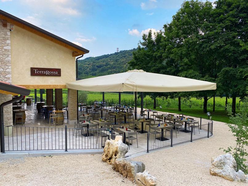 Esterno-TerraRossa-wine-beer-food-Caneva
